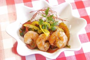 彩り野菜と海老の中華風黒酢炒め