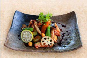 秋野菜と若鶏の黒酢マスタードソース