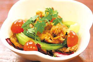 豚肉のカリカリサラダ ‾ 黒酢ソース ‾
