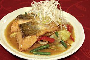 秋鮭の黒酢ちゃんちゃん焼き